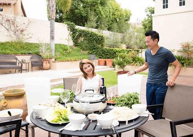 Hiện Thanh Thảo đang có những tháng ngày hạnh phúc nhất khi được chồng cưng chiều hết mức.