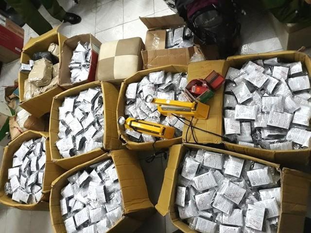 Số thuốc chữa bệnh tiểu đường được Đoàn thanh tra thu giữ tại cơ sở bà Nga. Ảnh: T.Nguyễn
