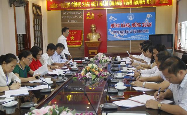 TS Lê Cảnh Nhạc, Phó Tổng cục trưởng Tổng cục DS-KHHGĐ phát biểu tại cuộc họp. ẢNH: V.ĐỒNG