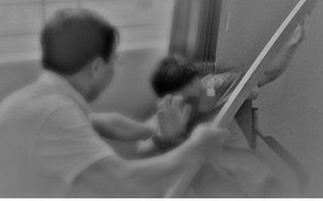 Một người đàn ông ở Nam Cotabato, Philipines đã giết chết người tình của vợ mình khi bắt gặp họ đang trong tình trạng không mảnh vải che thân.