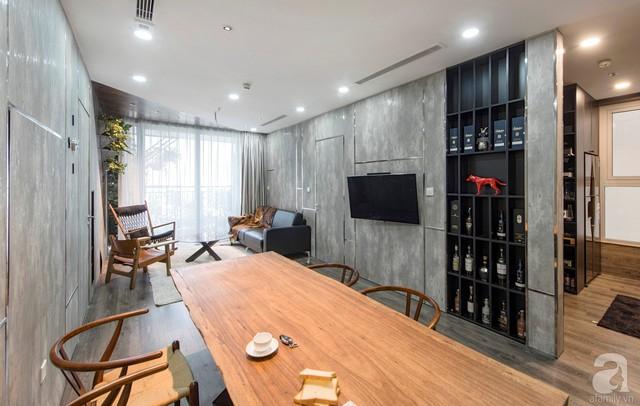 Khu vực bếp nấu được tách biệt ở một phần diện tích căn hộ. Phòng ăn nối liền với phòng khách để tận dụng tối đa những khoảng sáng tự nhiên.