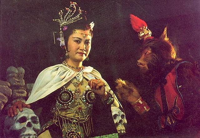 Vai diễn Bạch Cốt Tinh do nữ diễn viên Dương Xuân Hà đảm nhận. (Ảnh: Internet)