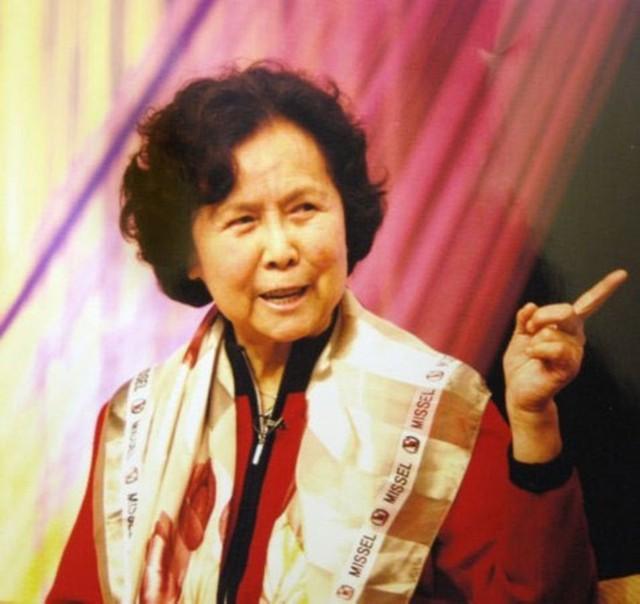 Đạo diễn Dương Khiết đã bội chữ tín để đạt được mục đích thuyết phục Dương Xuân Hà vào vai Bạch Cốt Tinh. (Ảnh: Internet)