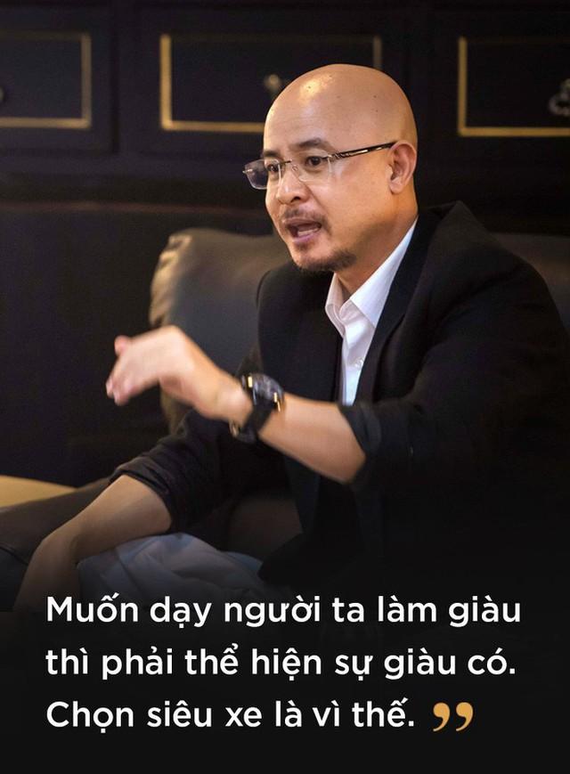 Lý do bất ngờ đằng sau việc ông chủ cà phê Trung Nguyên dùng dàn siêu xe độc nhất Việt Nam đi tặng sách