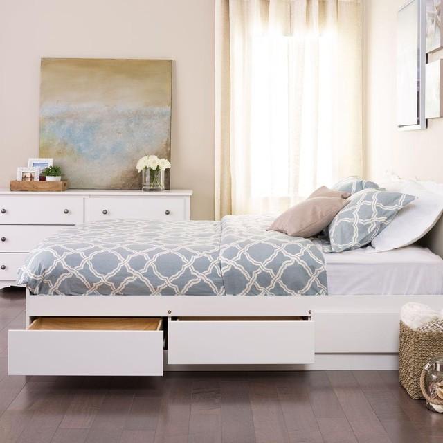 3. Kiểu giường này cũng giúp bạn tiết kiệm một khoản kinh phí đầu tư mua những chiếc tủ đựng đồ thường thấy trong phòng ngủ.