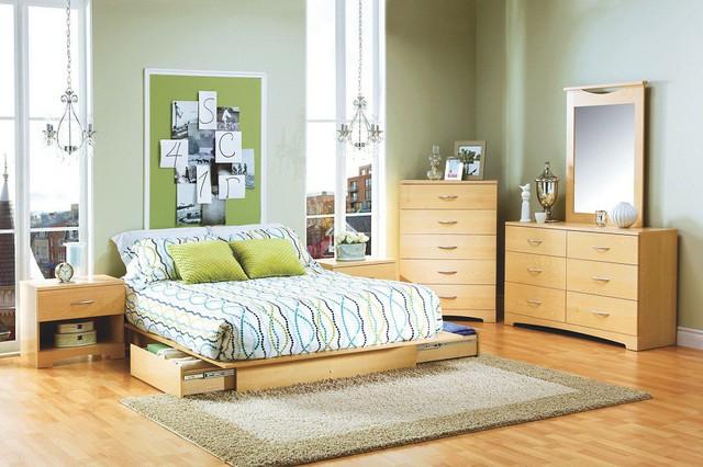 4. Chiếc giường này còn trở thành thánh địa đọc sách, báo lý tưởng khi chỉ cần với tay kéo tủ đã có thể lựa chọn cuốn sách hay tạp chí muốn đọc.