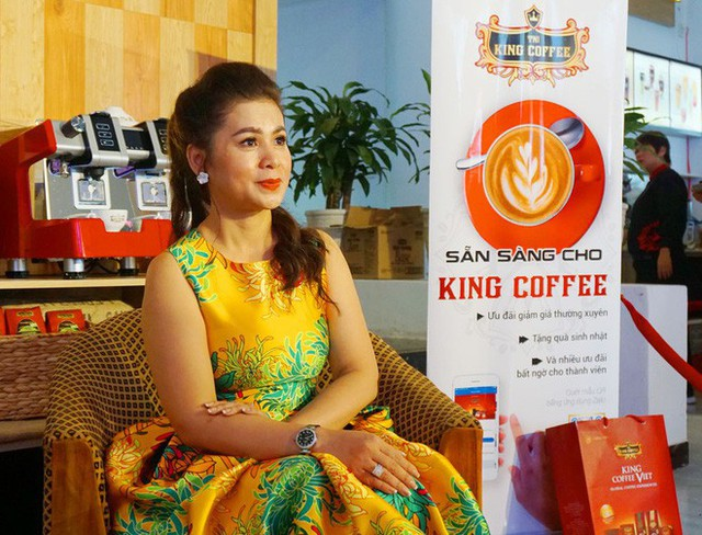Bà Lê Hoàng Diệp Thảo trở lại thương trường với đế chế King Coffee trong khi những tranh chấp thương hiệu, tài sản và vấn đề ly hôn với chồng là ông Đặng Lê Nguyên Vũ vẫn chưa ngã ngũ.