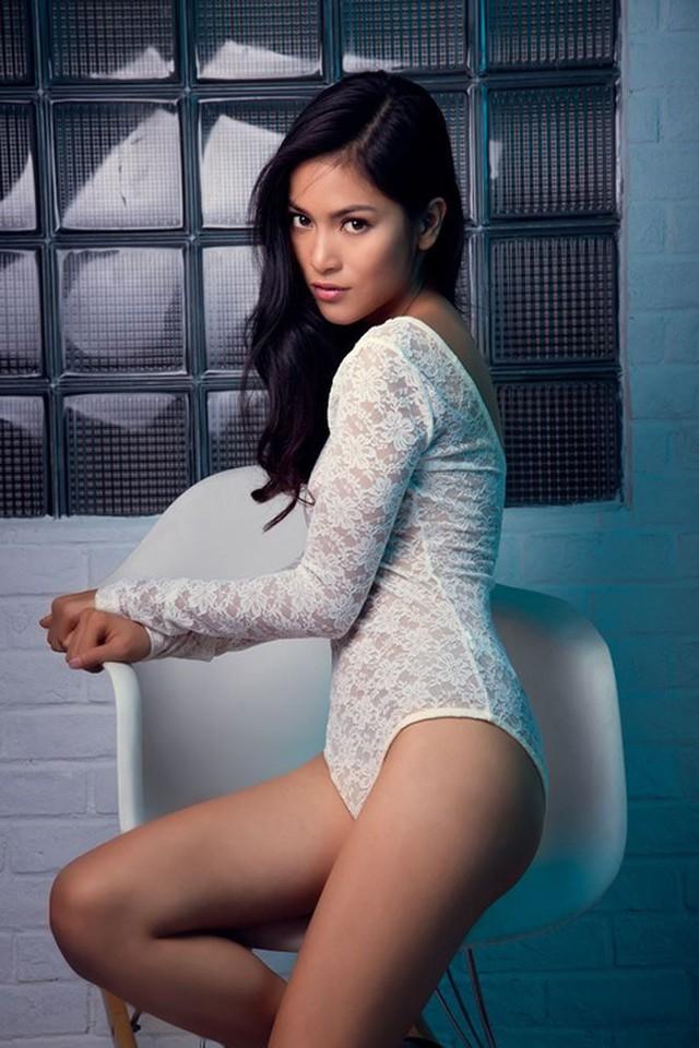 """Hiện tại, Nhung Kate vẫn đang tập trung cho sự nghiệp diễn xuất. Được mệnh danh là """"đả nữ"""" mới của điện ảnh Việt, nữ diễn viên 8x mong muốn có vai diễn đột phá, giúp sự nghiệp thăng hoa hơn và vượt ra khỏi cái bóng của người bạn trai nổi tiếng."""