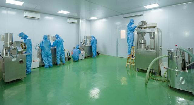 Các dược sĩ trực tiếp phân loại, chế biến sản phẩm phải đáp ứng yêu cầu về bảo hộ lao động, môi trường sản xuất xanh – sạch – thoáng, đáp ứng yêu cầu nghiêm ngặt trong môi trường sản xuất, chiết xuất thực phẩm chức năng.