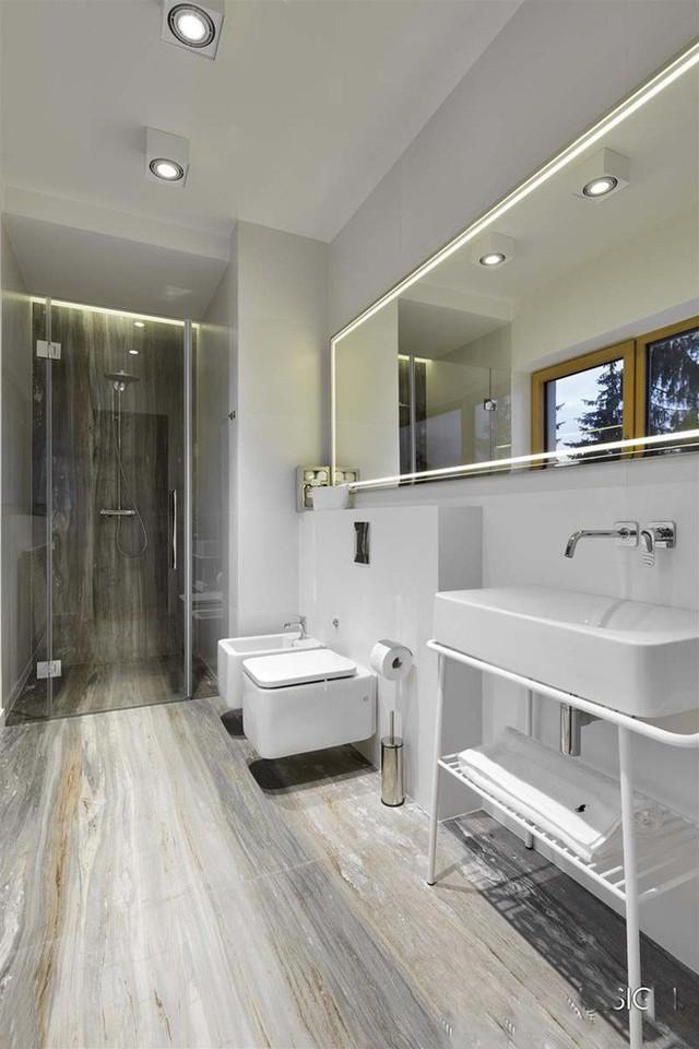 Đèn led trần và đèn led âm tường là hai mẫu đèn được sử dụng nhiều nhất trong nhà tắm.