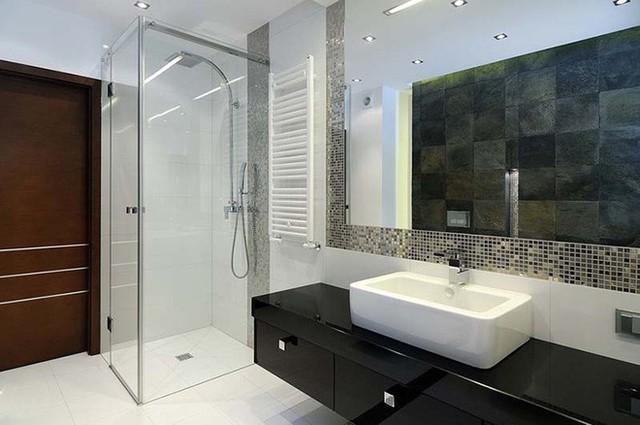 Kiểu đèn led âm trần cho không gian nhà tắm một lượng ánh sáng vừa đủ để bạn sử dụng.