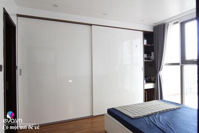 Thiết kế nội thất âm tường và cửa lùi làm cho không gian rộng rãi hơn.