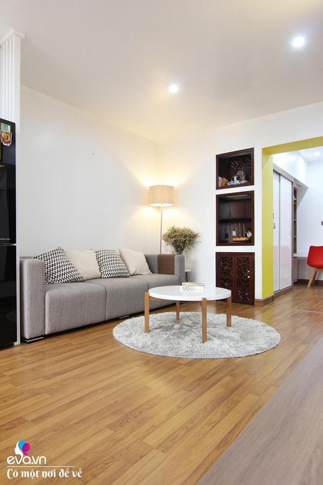 Màu vàng được sử dụng tạo nên sự trẻ trung cho căn hộ 2 thế hệ.