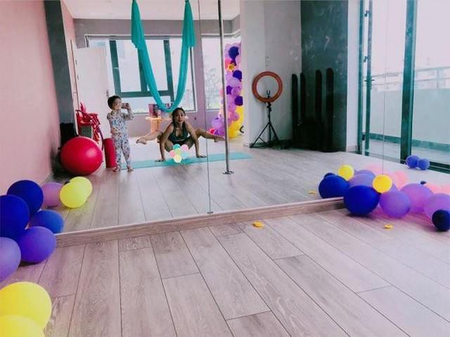 Nữ MC còn thiết kế riêng cho mình một căn phòng để tập thể thao, đặc biệt là Yoga.