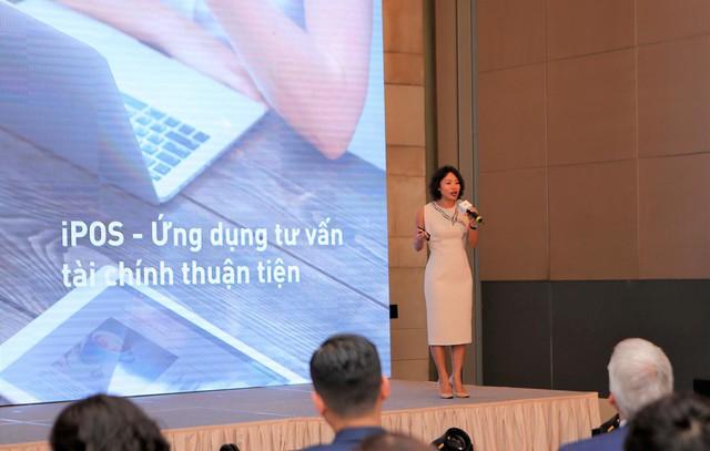 Đội ngũ chuyên viên tư vấn tại các chi nhánh của Public Bank Việt Nam sẽ được trang bị những công cụ số hoá hiện đại.