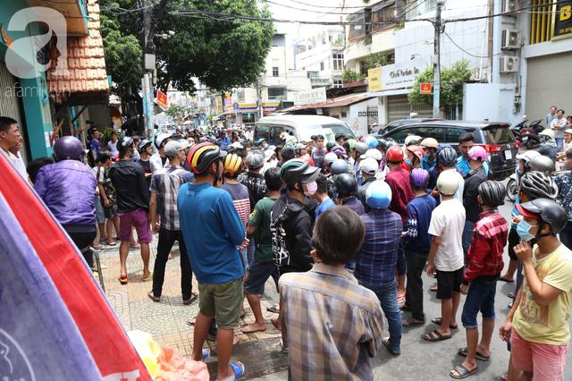 Tụ tập rất đông để tham gia lễ hội này.