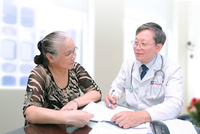 Đội ngũ chuyên gia, bác sĩ tận tâm khám và tư vấn tại MEDLATEC.