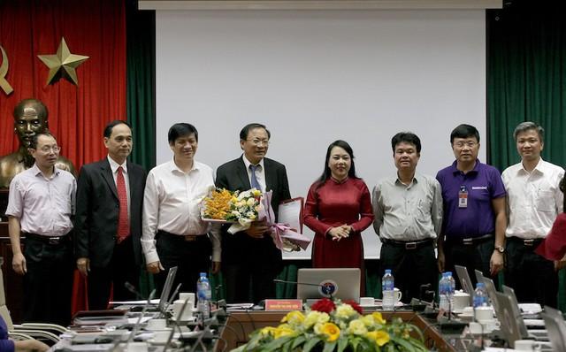 Lãnh đạo Bộ Y tế, các cục, vụ, đơn vị thuộc Bộ chúc mừng tân Tổng cục trưởng Tổng cục Dân số - KHHGĐ.