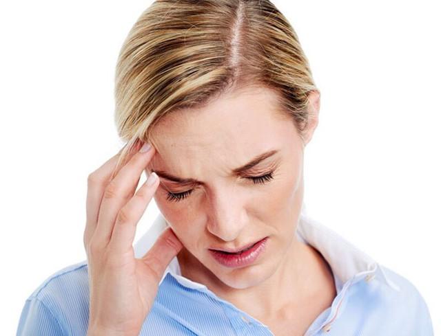 Đau đầu vận mạch là căn bệnh phổ biến ở giới văn phòng. Ảnh: Pharmeru