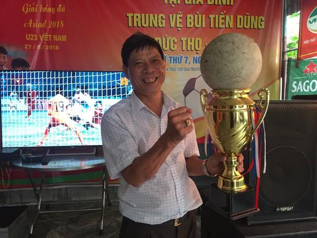 Ông Bùi Như Quang, bố trung vệ Tiến Dũng.