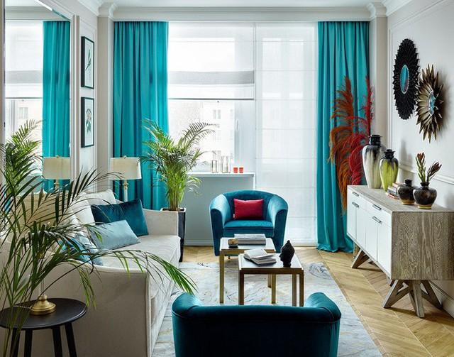 Sự kết hợp giữa những món đồ nội thất mang 2 phong cách khác nhau tạo nên nét độc đáo của riêng căn phòng khách.
