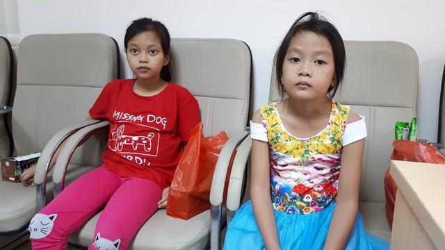 Hai chị em Trang - Quỳnh tại tòa soạn Báo Gia đình và Xã hội. Ảnh PT