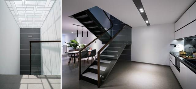 Ngôi nhà 4 tầng, được cải tạo từ cốt nhà cũ 3 tầng. Ngoài mặt đứng, lõi thang cũng góp phần đem nắng và gió cho ngôi nhà.