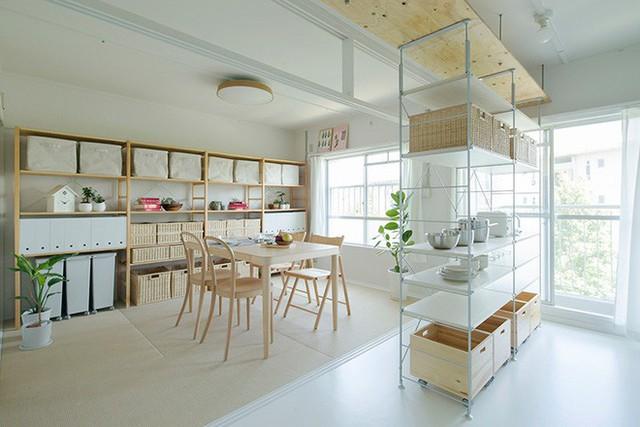 Những sắc màu đơn giản, dịu dàng cùng không gian ngập tràn ánh sáng mang đến vẻ đẹp hiện đại cho căn hộ.