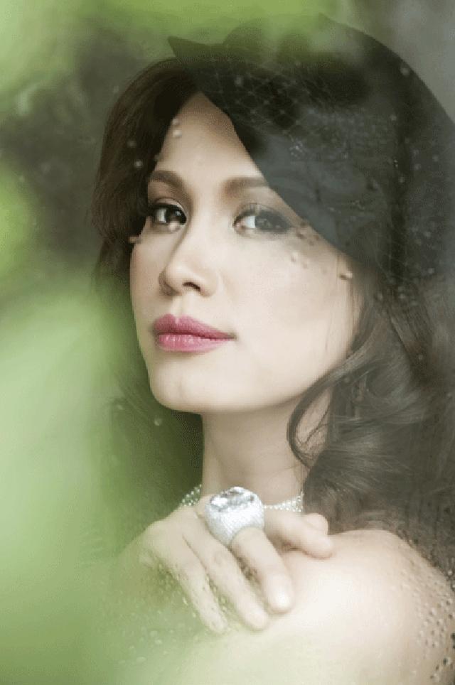 Nhan sắc cao sang của Ngọc Khánh ở tuổi 40.