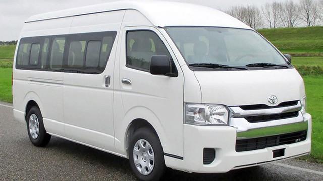 Mẫu xe nhập Hiace từ Thái Lan được giảm giá hơn 132 triệu đồng.
