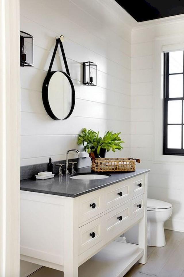 Với những ai yêu thích vẻ đẹp mộc mạc, giản dị thì có lẽ đen – trắng luôn là lựa chọn hàng đầu.