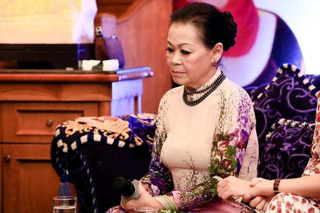 Khánh Ly buồn vì sao giờ người ta mong bất hạnh đến với người khác nhiều thế.
