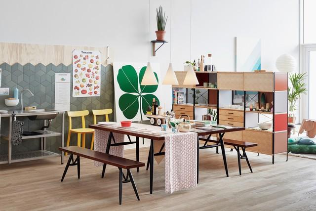Góc bên cạnh là không gian độc đáo với những mảng màu tinh tế và hiện đại. Những khoảng diện tích đẹp hiện đại nhờ nội thất đơn giản cùng những mảnh ghép đáng yêu từ vật dụng và đồ trang trí.