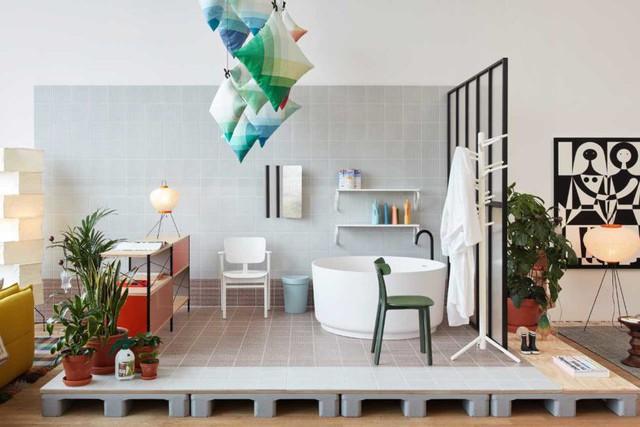 Góc phòng tắm lạ mắt với bồn tắm hình tròn. Không gian thư giãn được ốp gạch trên tường và sàn mang đến cảm giác thoải mái, mát mẻ dành cho mọi người khi sử dụng.