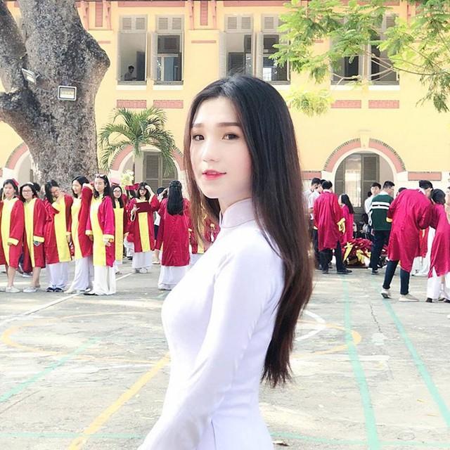 Người đẹp Nguyễn Thị Thu Tâm khi còn học ở trường THPT