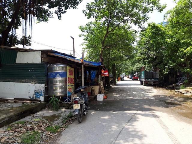 Quán nước tại khu công nghiệp Vĩnh Hưng nơi xảy ra vụ án mạng thương tâm. Ảnh: H.Chi