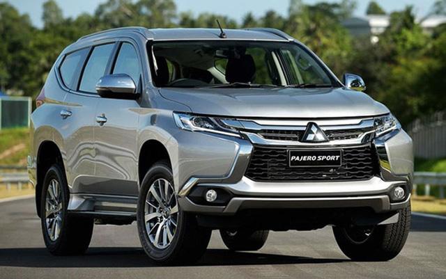 Mitsubishi Pajero Sport 2018 giảm giá khủng sau khi được miễn thuế nhập khẩu.