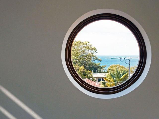 Một góc nhìn rất đẹp từ cửa sổ trong nhà.
