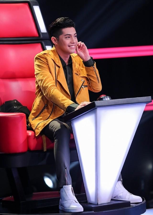 Noo Phước Thịnh ngồi ghế giám khảo.