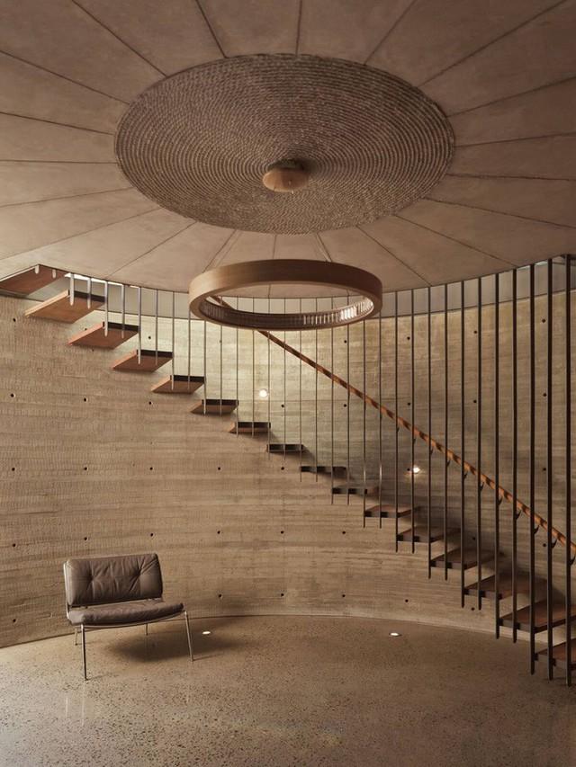 Hệ cầu thang đáp ứng được cả về công năng lẫn thẩm mỹ.