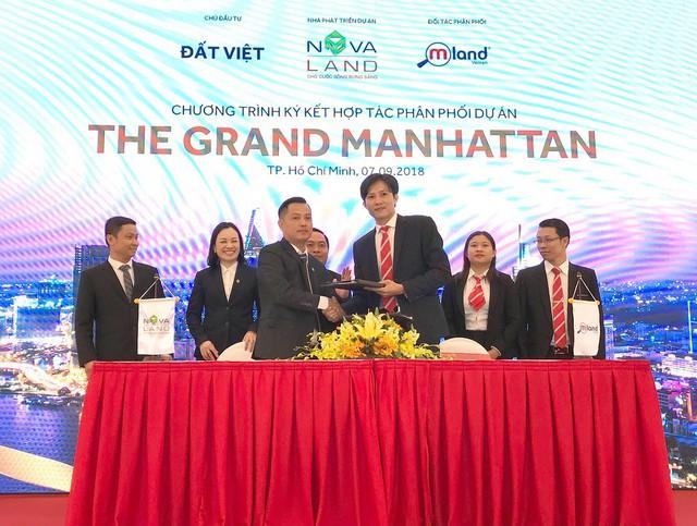 Đại diện Công ty Cổ phần MLand Việt Nam (MLAND) tại lễ ký kết phân phối dự án The Grand Manhattan.
