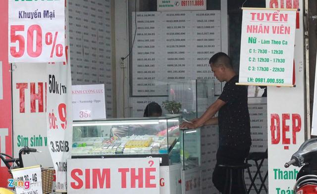 Từ 0h ngày 15/9, 60 triệu SIM 11 số sẽ bước vào quá trình chuyển đổi về dạng 10 số. Ảnh: Ngô Minh.