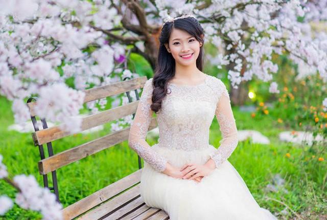 Người đẹp đất Hải Phòng cũng được nhiều người hâm mộ đặt niềm tin sẽ lên ngôi Hoa hậu năm nay.