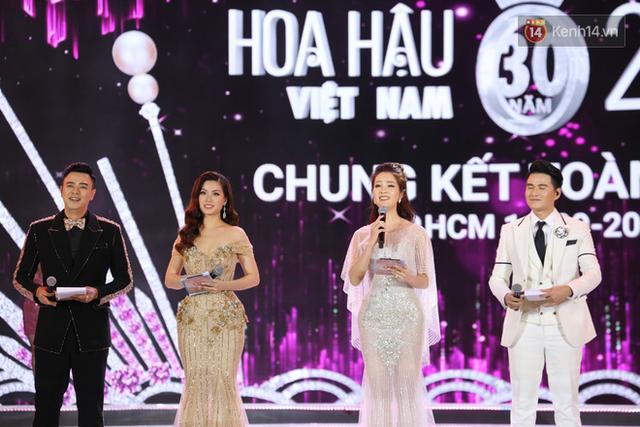 MC Tuấn Tú được cho là xuống phong độ trong đêm chung kết