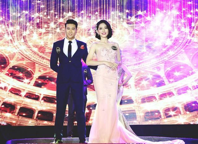 Phương Nga từng giành giải nhất Sinh viên thanh lịch ĐH Kinh tế quốc dân 2017 và giải nhất Gương mặt trang bìa báo Sinh viên Việt Nam 2017. Ảnh: NVCC