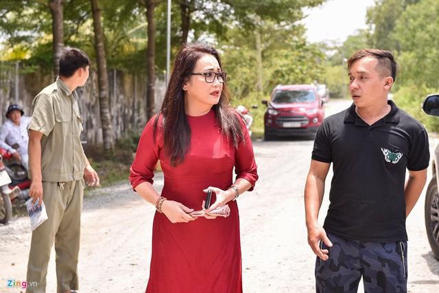 Nghệ sĩ Thanh Hằng cũng có mặt. Đối với chị Hoài Linh không chỉ là đồng nghiệp mà còn là người ơn nghĩa với mình. Chính danh hài đã đưa chị trở lại với nghệ thuật sau thời gian lấy chồng và mưu sinh ở xứ người.