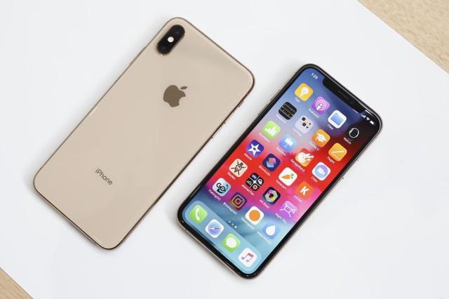 iPhone XS Max có kích cỡ màn hình và thỏi pin lớn nhất trong bộ 3 iPhone mới