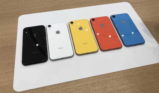 Nhiều màu sắc để lựa chọn là một trong những ưu điểm của iPhone XR