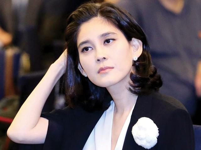 Khối tài sản của bà Lee Boo Jin rơi vào khoảng 1,77 tỷ USD. Trên bảng xếp hạng, bà là người phụ nữ giàu nhất Hàn Quốc, cũng là người giàu thứ 17 tại đất nước này.