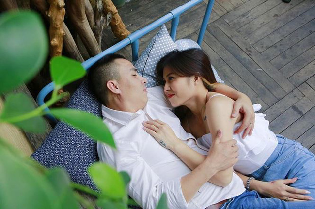 Ngay lập tức, bài chia sẻ trên đã thu hút hơn 2 nghìn lượt like (yêu thích) và  nhiều bình luận, thể hiện sự ngưỡng mộ tình yêu ngọt ngào của cặp đôi.